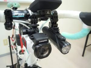 カメラ・ライト・サイコンをまとめて装着