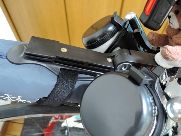 Topeak F77 Fixerを使って輪行袋を固定