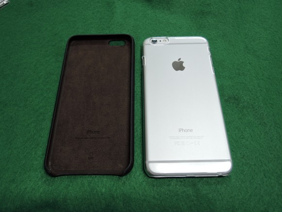 iPhone 6 Plus と純正ケース