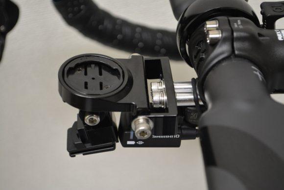 レックマウントにジャンクションAとワイヤレスユニットを取り付け