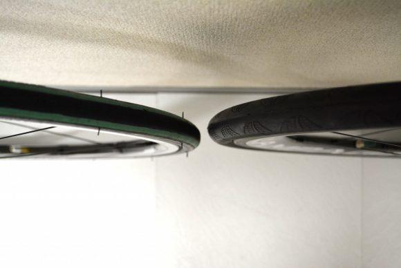 「ボーラ・ワン50」と「Dura-Ace 9000 C24」とのタイヤ幅の比較