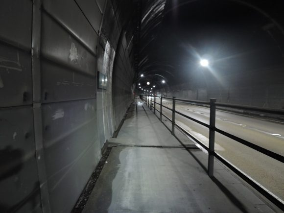 上石津トンネル
