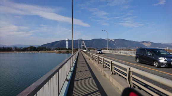 長良川大橋の東側から木曽三川公園方面を望む