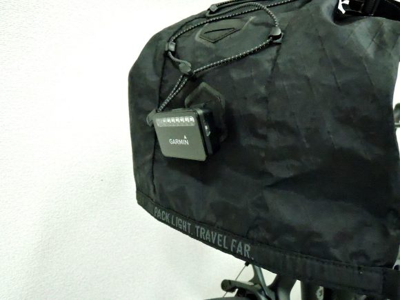 Garmin リアビューレーダーをサドルバッグに取付